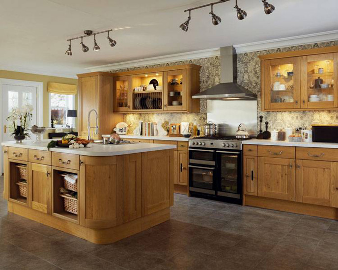 Oak worktops kitchen worktops in berkhamstead for Oak kitchen ideas designs